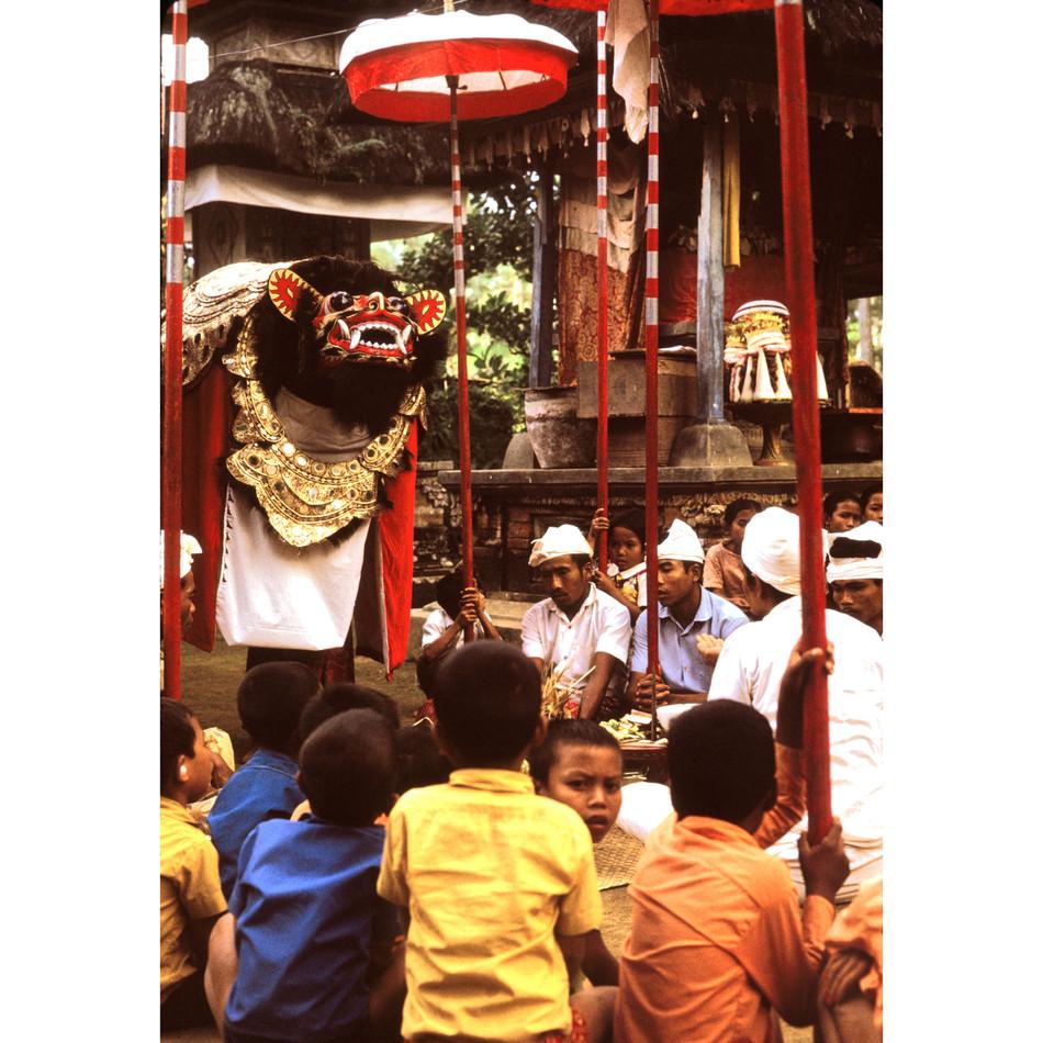 Barong Macan (Tiger) receiving offerings
