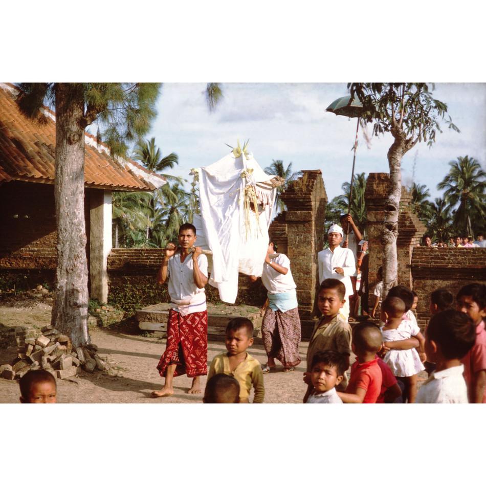 Temple deity's effigy returning from lus