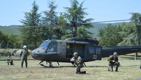 Dva helikoptera Hjui II za avijaciju BiH