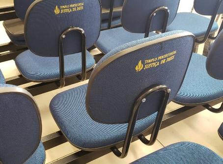 Cadeiras personalizadas para igreja Templo Pentecostal Justiça de Deus