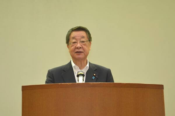 開会の挨拶を行う農林水産大臣 𠮷川貴盛氏