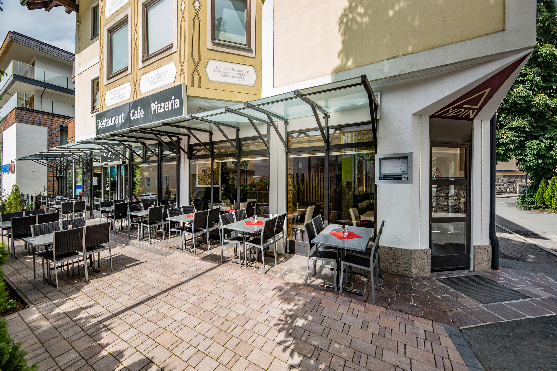 Restaurant & Pizzeria Aydin gemütliche Außenplätze