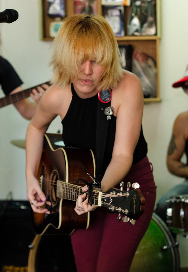 Lesa Silvermore and the Growlers at Rocket Records, Sarasota, FL