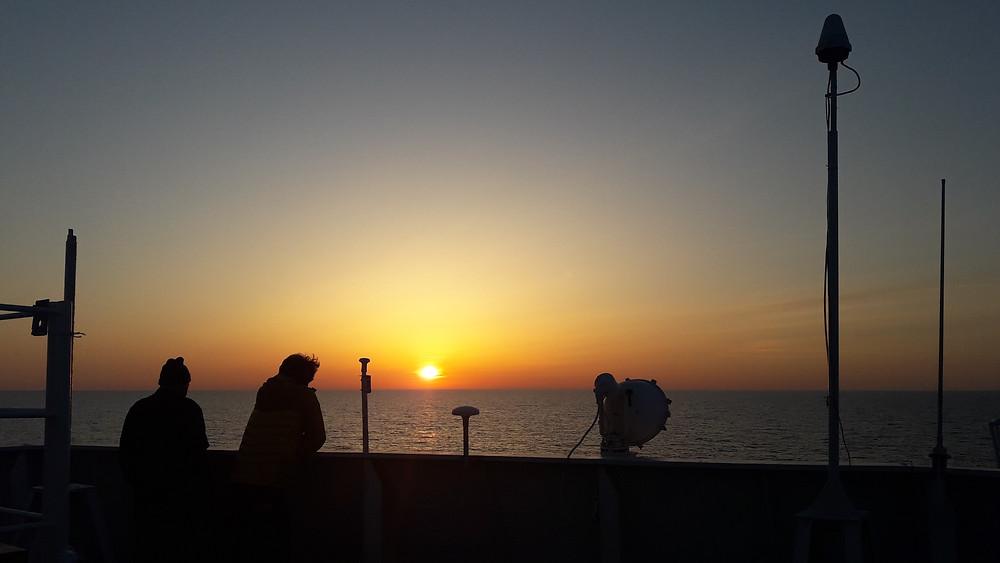 Couché de soleil durant la traversée de la mer Caspienne.