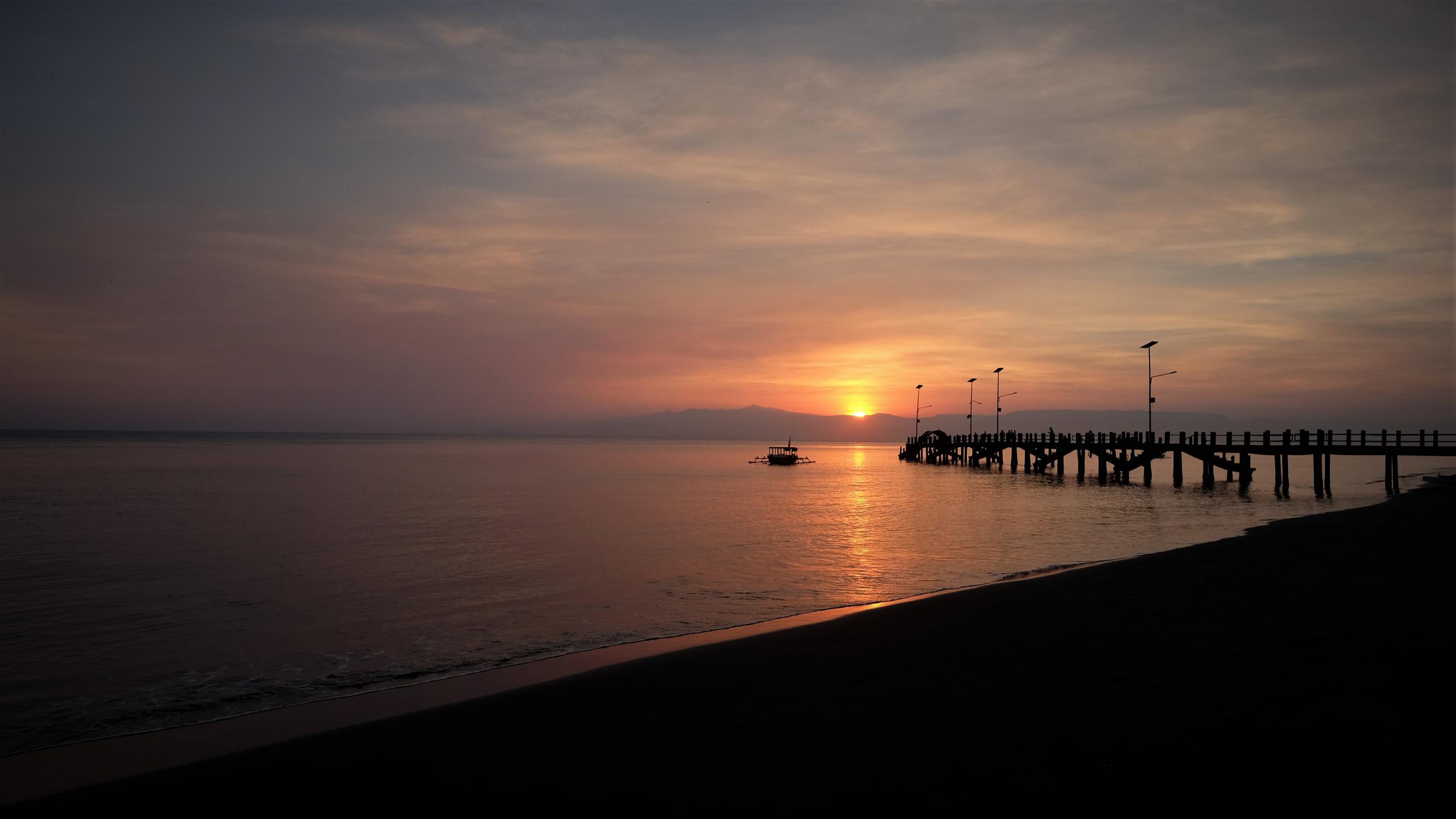 Début de la journée sur la plage pour le levé de soleil.