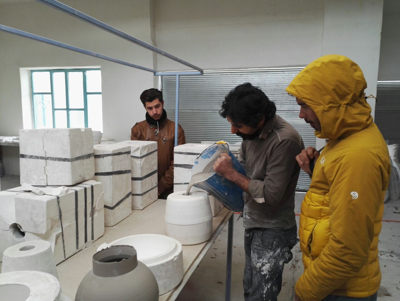 Visite d'une fabrique de Céramique