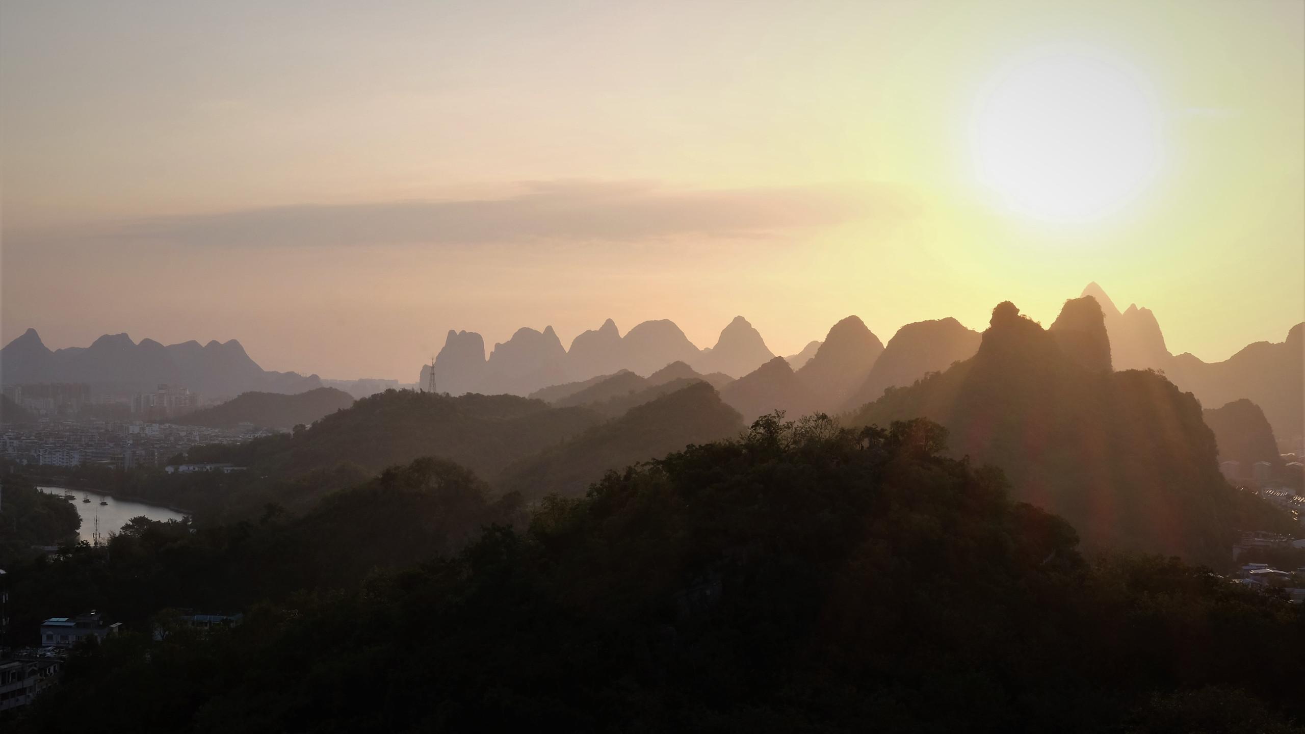 Soleil couchant sur Guilin