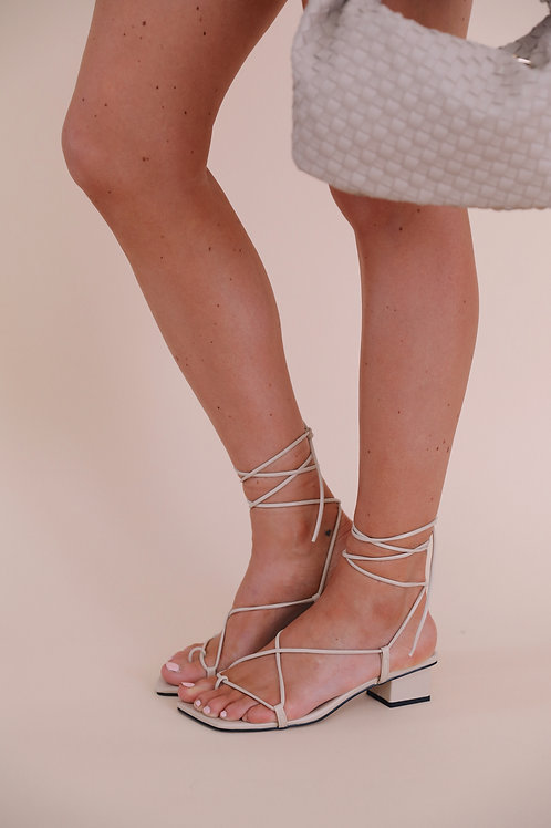 LACE UP SANDALS BEIGE