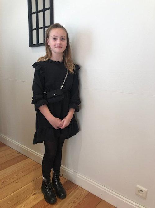 Zwart kleed met handtas