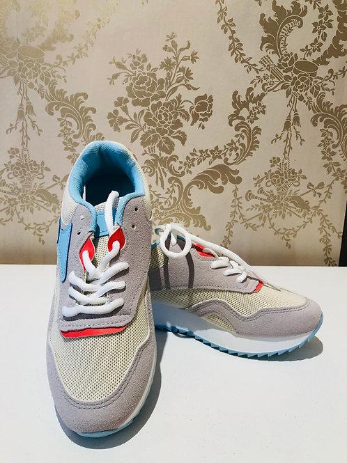 Fleurige sneakers