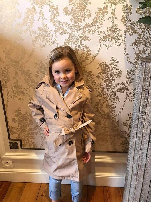 Prachtige mantel beige met riem.