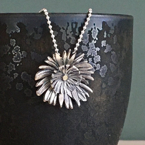 Double Head Daisy Pendant