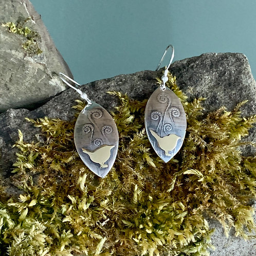 Marquise oval earrings with wren