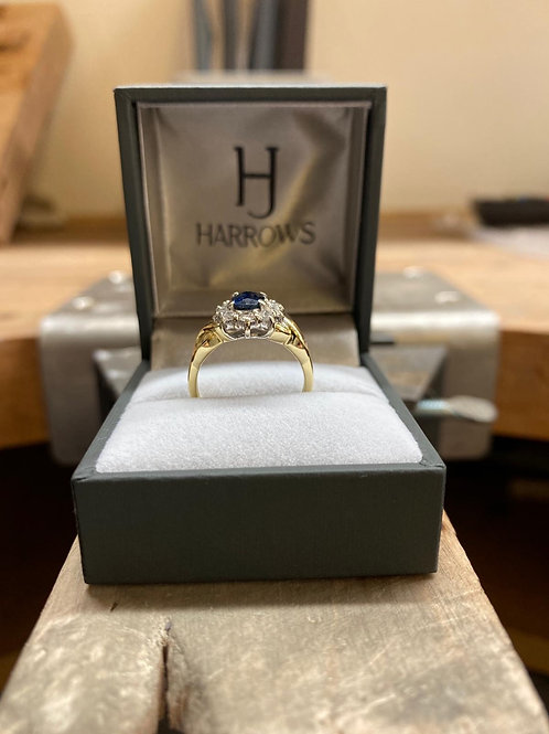 18CT Y/G Sapphire Cluster