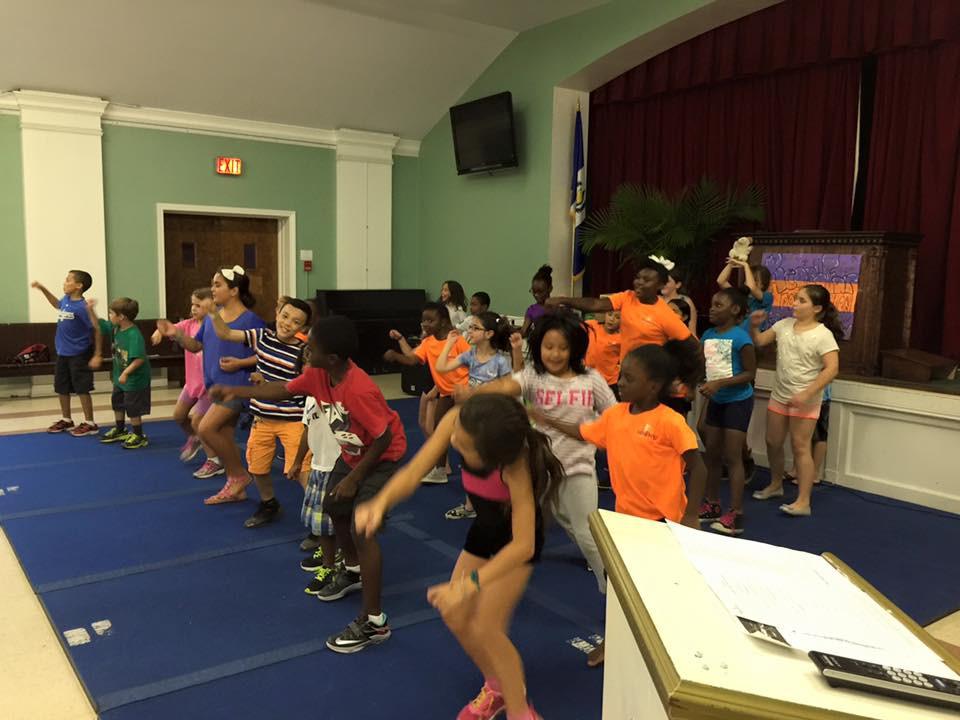 kids perform.jpg