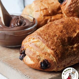 mini chocolate croissants_edited.jpg