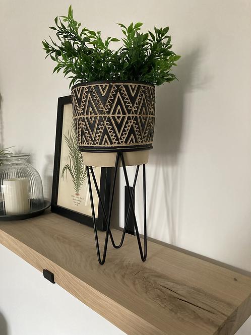 Wire stand planter