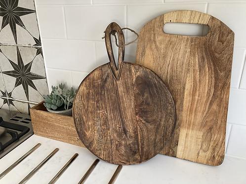 Circular wooden chopping/serving board