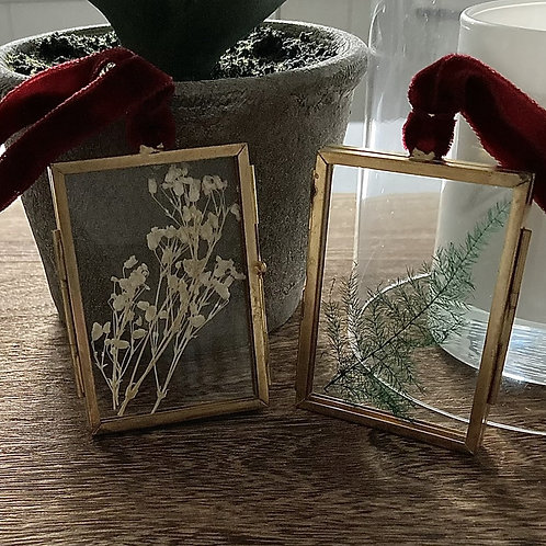 2x vintage frame tree decorations