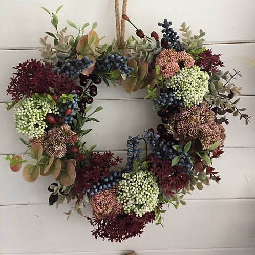 White and blueberry wreath