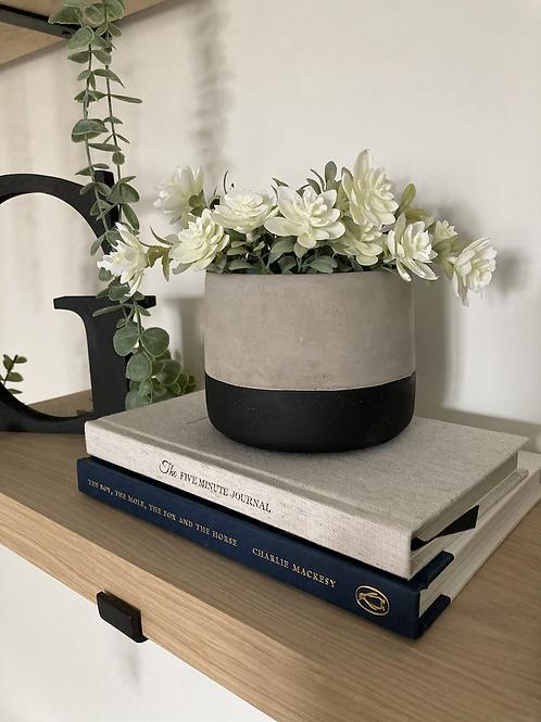 Mini black planter