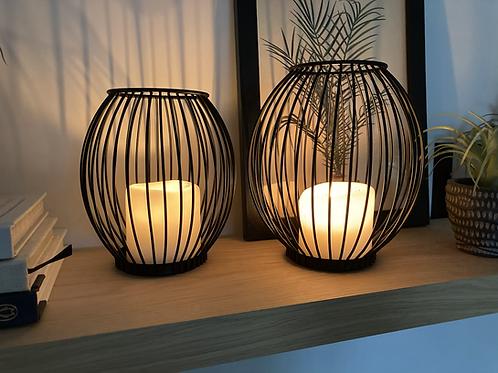 Small wire candle holder