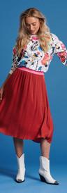 jupe rouge pom 2.jpeg