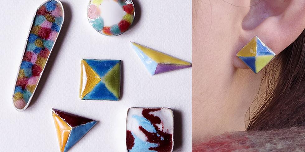 七宝でアクセサリー作り!好きな色を置いてオリジナルのピアスやイヤリング!