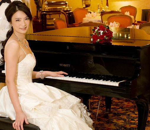 C.H.C. Liao au piano.jpg