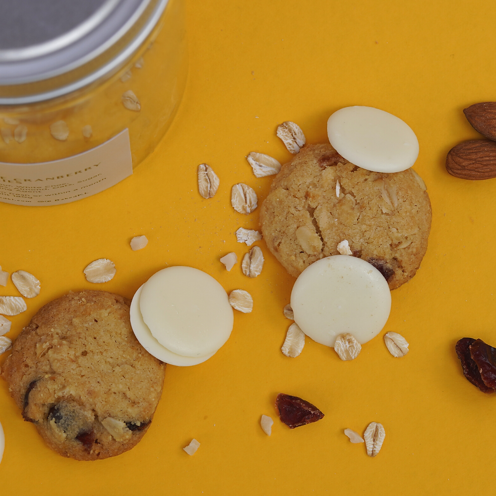 white cranberry cookies with white chocolate and oats with almonds