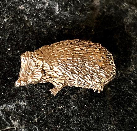 Hedgehog brooch in bronze