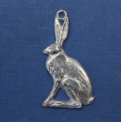 Small sitting hare pendant.