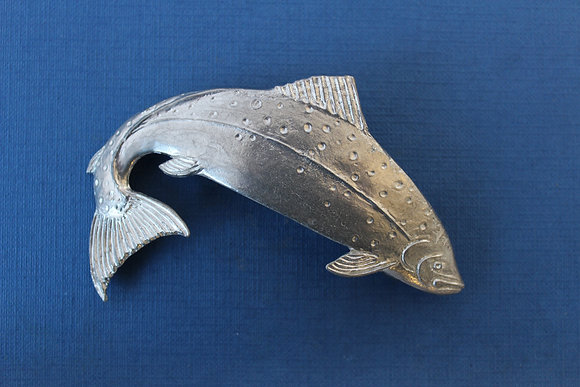 Salmon hair clasp