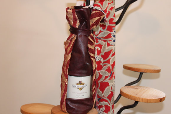 A tiger printed leather wine bag