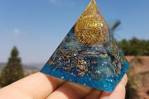 פרמידת פרח החיים טורקיז