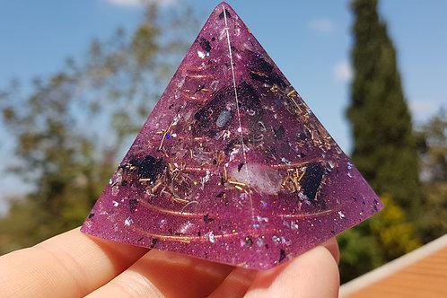 פרמידה סגולה