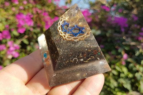 פרמידת מגן דוד כחול