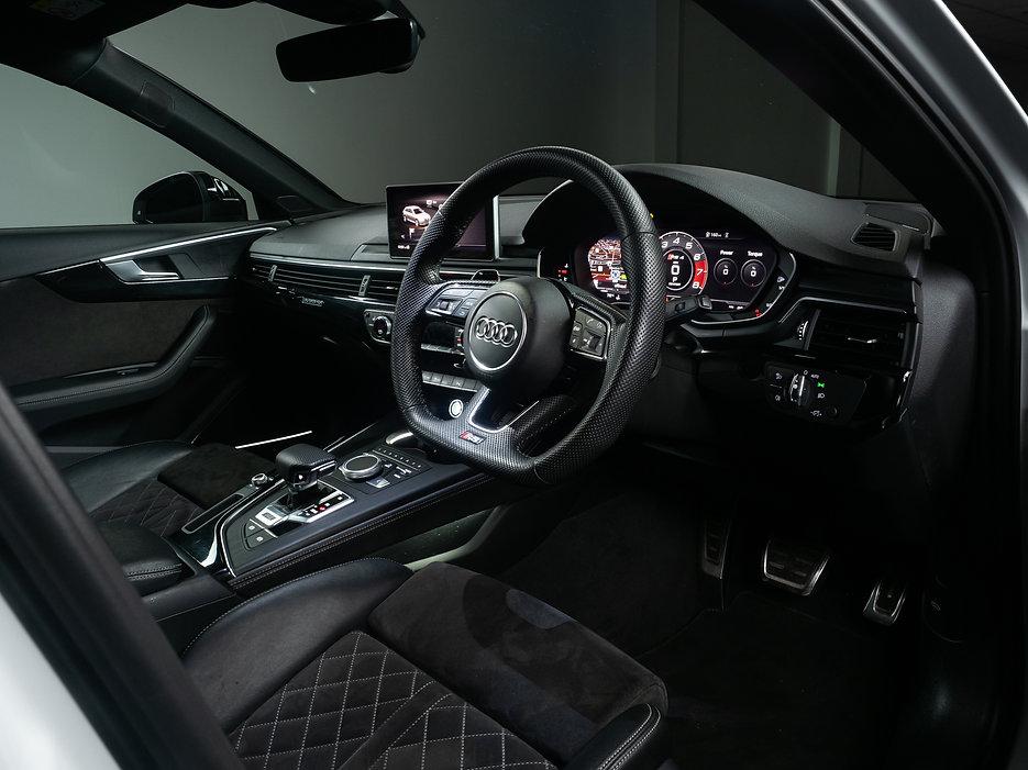 AUDI RS4 INTERIOR.jpg