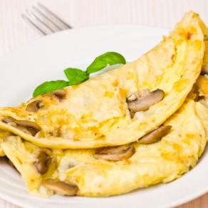 بيض اومليت بالبصل والمشروم