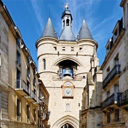 Bordeaux_-_rue_Saint-James_edited_edited_edited_edited_edited_edited.jpg