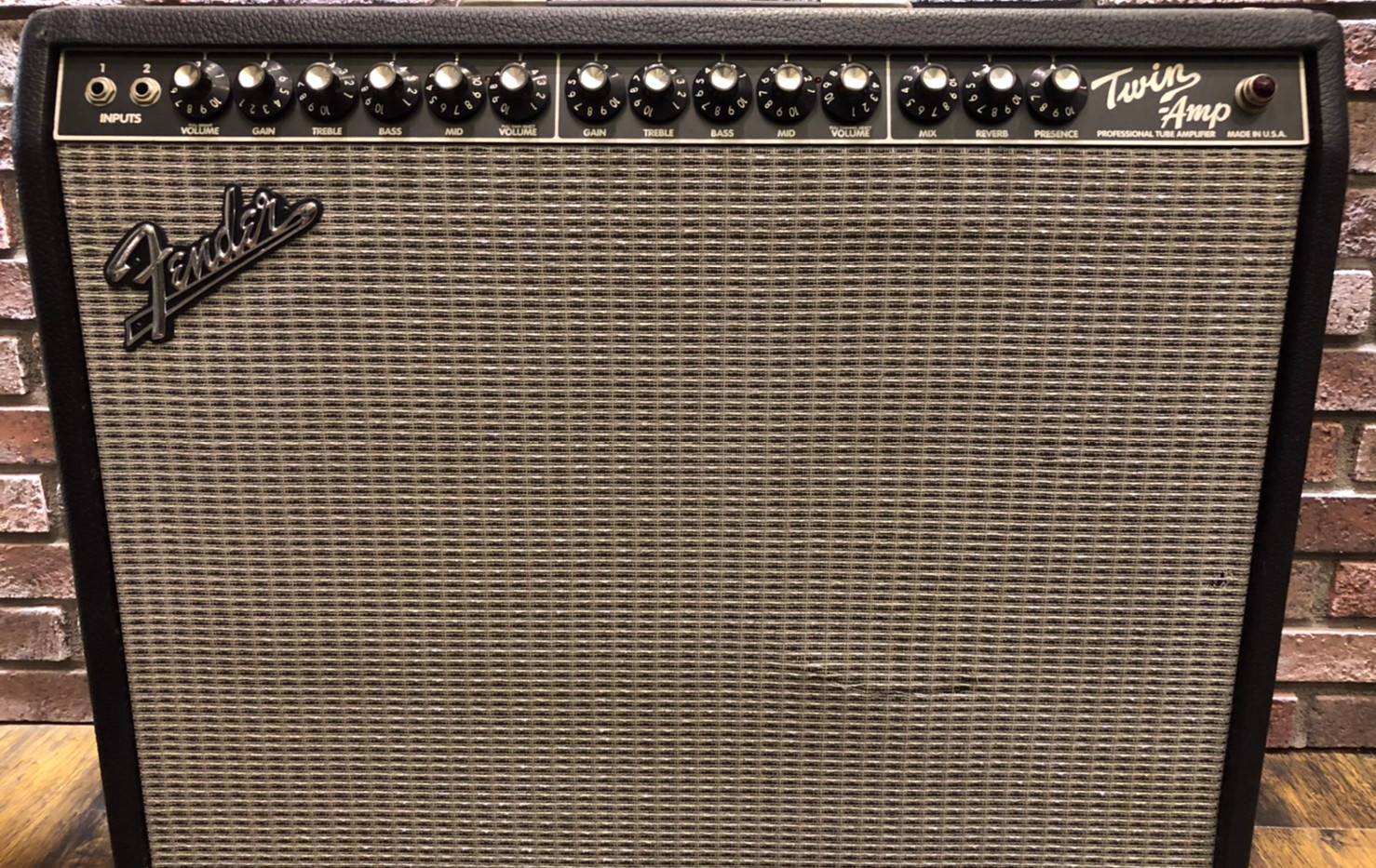 Fender Twin Amp修理中