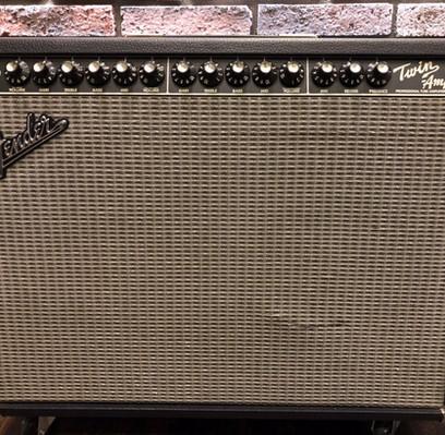 Fender Twin Amp修理中