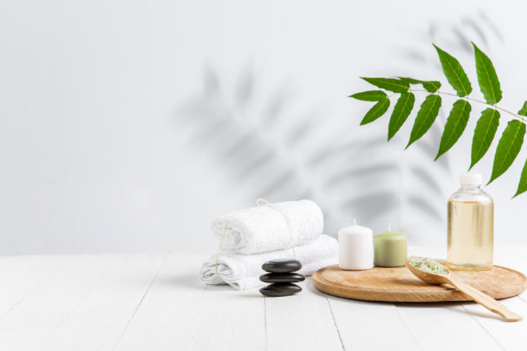 beautiful-spa-composition-massage-table-