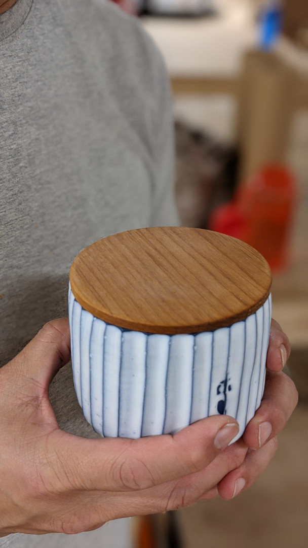 Wooden Lid on pottery.jpg