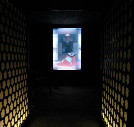 sala sotto portali in ferro +light box .