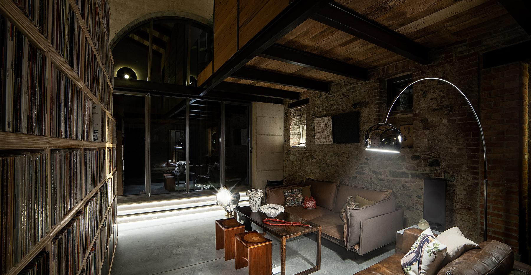 Casabianca livingroom.jpg