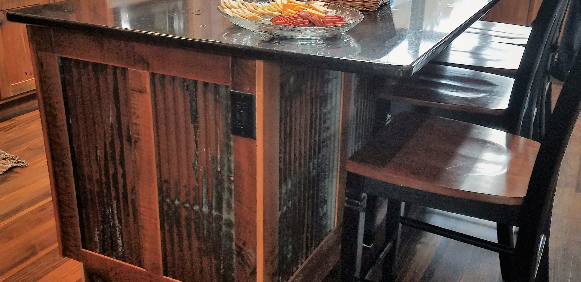 Reclaimed barn wood cabinets center isla