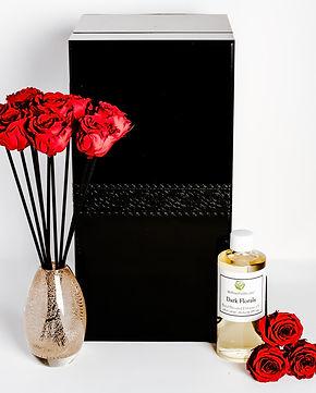 MelroseFields Art Glass Red Rose Reed Di