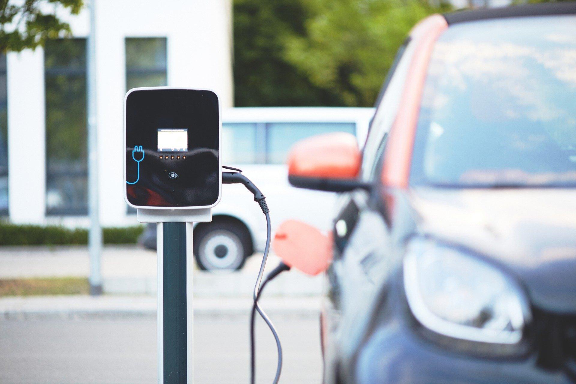 voitures électriques - BORNE RECHARGE - ELECTRICIEN ANNECY - RUMILLY - AIX LES BAINS
