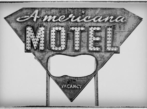 8 americana_motel.jpg